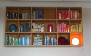 bøger og reol